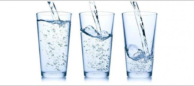 bere acqua di notte aiuta a perdere peso