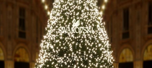 Regali Di Natale Swarovski.Swarovski Accensione Albero Di Natale 2018 Fashionchannel