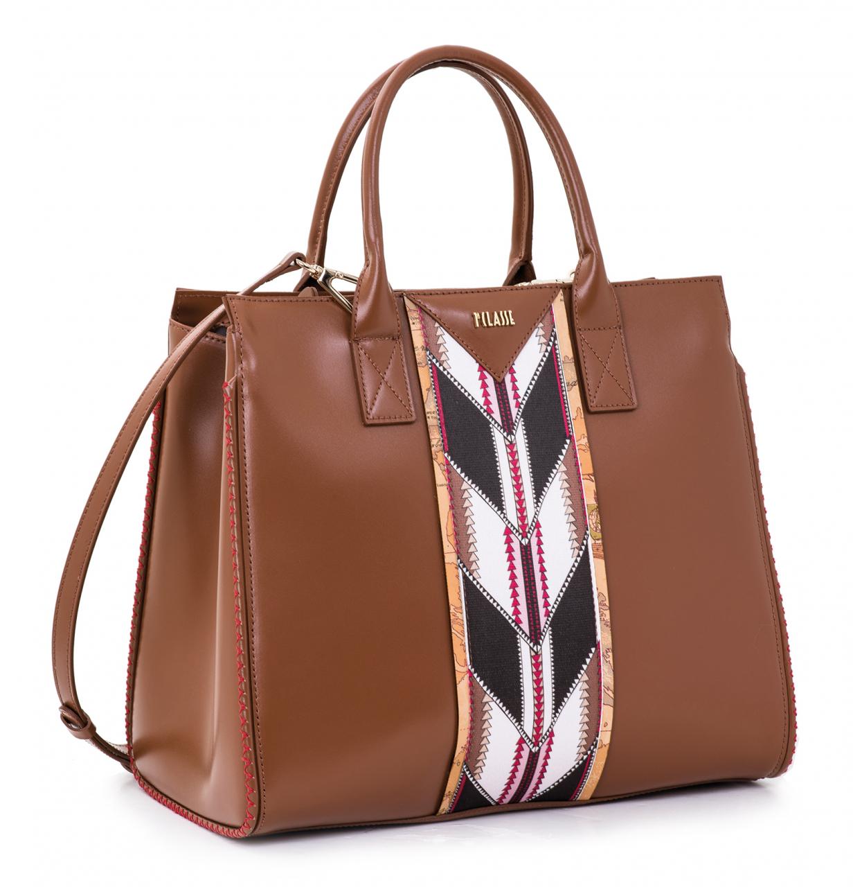 1307e0bde7cf1 FashionChannel - Con Alviero Martini 1a Classe e  fiesta bag
